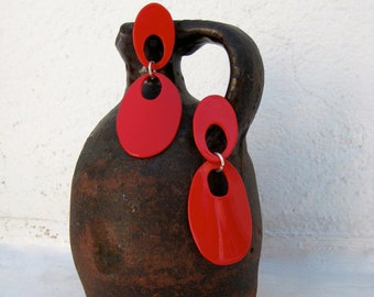 Smooth earrings flamenco style in red, handmade.
