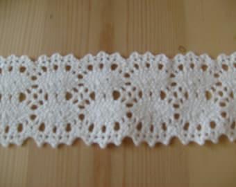 Pretty Vintage style Crochet  ~ Cotton LACE
