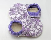 Baby booties 12-18 months, baby shoes, baby shower gift,baby gift,baby gift, baby girl gift, baby girl booties, purple baby shoes
