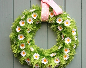 Beautiful Spring/Easter Daisy Wreath