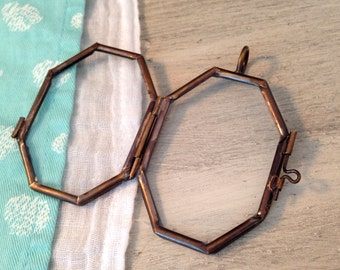 Double Sided Octagon Glass Frame Hinged Pendant Floating Locket Charm Vintage Style Antique Bronze Jewelry Supplies DIY 116