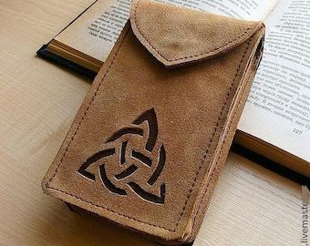 Leather Tarot cards case / Celtic Shamrock