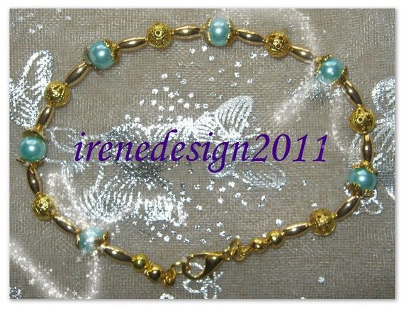 Beautiful Handmade Gold Bracelet with Mint Green Pearls