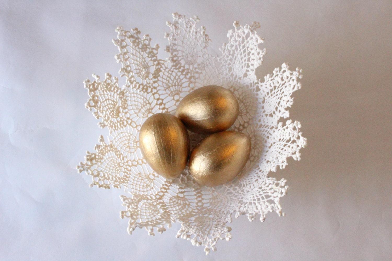 gold leaf paper mache 39 easter egg golden egg easter egg. Black Bedroom Furniture Sets. Home Design Ideas