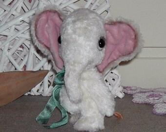 Pattern for Baby Elephant Daya ca.12cm