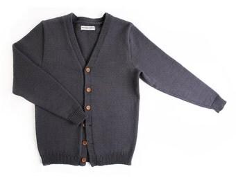 10% OFF - Men's lambswool cardigan with handmade oak buttons/sweater cardigan/jacket/jumper/v-neck/vest/winter/gray