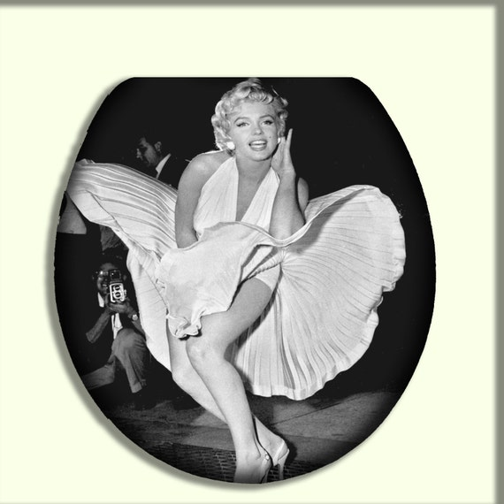 marilyn monroe iconic glacier bay toilet by citydwellersboutique. Black Bedroom Furniture Sets. Home Design Ideas