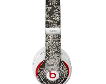 The Black Floral Laced Pattern V2 Skin for the Beats by Dre Headphones (All Versions Available)