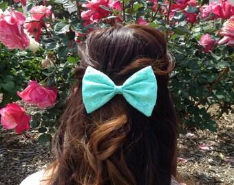 Mint Lace Bow