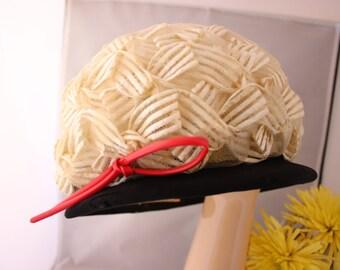 """Mr JOHN 1940's fabulous """"Cloche"""" type hat."""