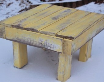 "Reclaimed Wood Stoo 14x14""l- Weathered Yellow"