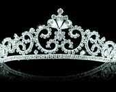 Exquisite Bridal Vintage Style Queen Crystal Tiara (495)