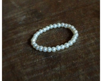 Newborn Bracelet / Pearls / Newborn Accessory / Newborn Jewelry / Photo Prop