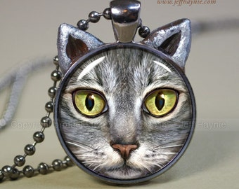 Cat pendant // Grey Tabby Cat pendant // Cat resin pendant // Cat jewelry // Cat Jewelry Picture Pendant // TBKG6