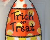 READY TO SHIP;Candy Corn door hanger, halloween door hanger, fall door hanger,halloween wreath,personalized door hanger,halloween door decor