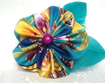 PIN and clip hair with flower in Japanese fabric and feathers