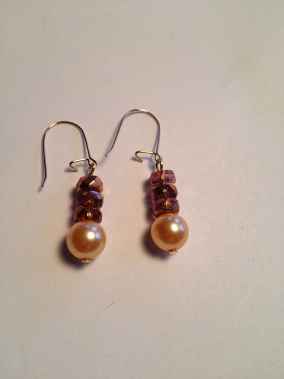 Gold-plated earrings with peach pink pearl and sparkling pink crystal rondelle beads