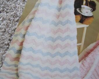 "Knit Pattern Ripple Baby Blanket 32"" x 41"""