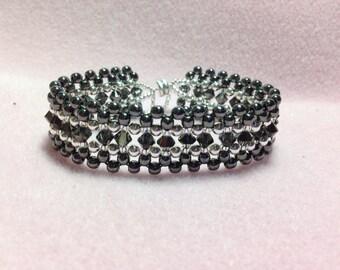 Titanium Glass Pearl and Crystal Handmade Beaded Bracelet