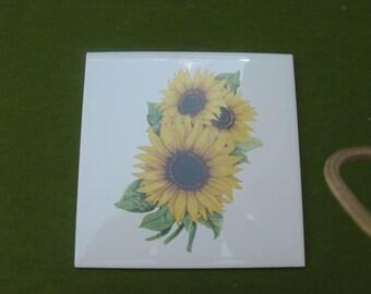 Beautiful  6  inch  square  ceramic  sunflower  tile...hot plate...trivet...wall hanger...