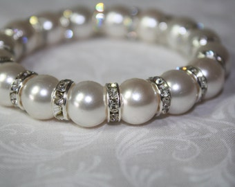 White Glass Pearls Stretchy cord Bracelet with Rhinestones