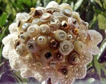 Bridesmaid button bouquet