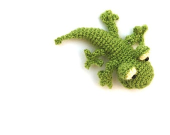 crochet toy, miniature lizard, little gecko, crochet lizard, tiny amigurumi, woodland funny, gift for teens and adults, stuffed animal doll
