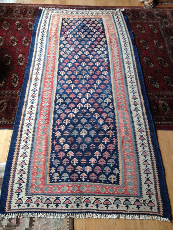 tapis persan kurde du nord ouest r duits kilim tribal bleu. Black Bedroom Furniture Sets. Home Design Ideas