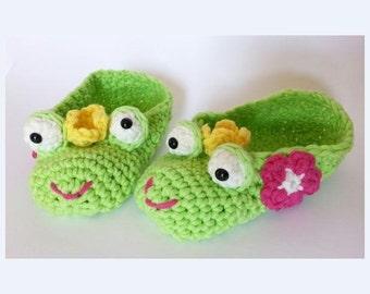 """Children Slippers """"Frog King"""" Pattern"""