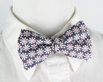 Daisy Chain ~ Clip-on Bow Tie