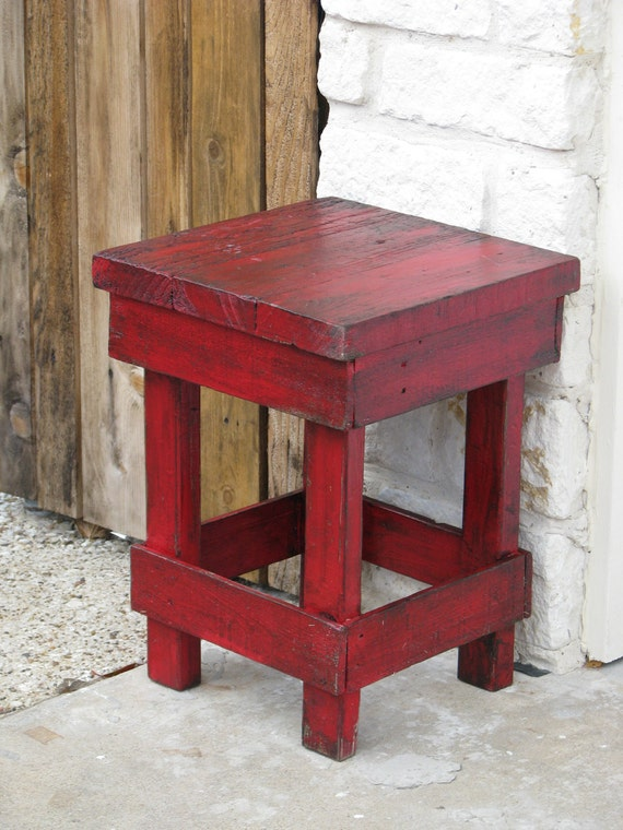 301 moved permanently for Red side table