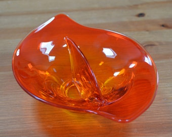 Viking Glass Epic line red divided dish