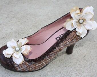 Flower Shoe Clips-Toddler Flower Shoe Clips-Women/Bridal Flower Shoe Clips-Ivory/Tan-Pearl