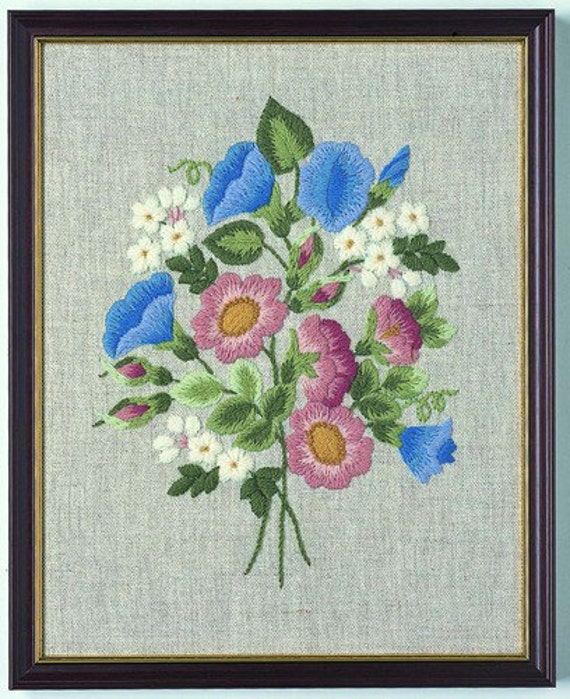 CW 408 Wild Roses Beginner Crewel Embroidery Kit