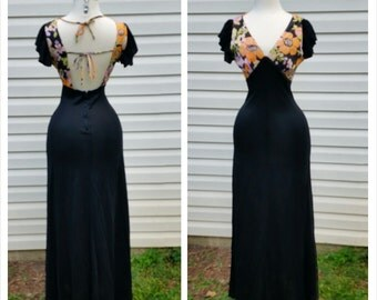 70s Floral Maxi Flower Power with Open Back and Short Ruffle Flutter Sleeves Sz S