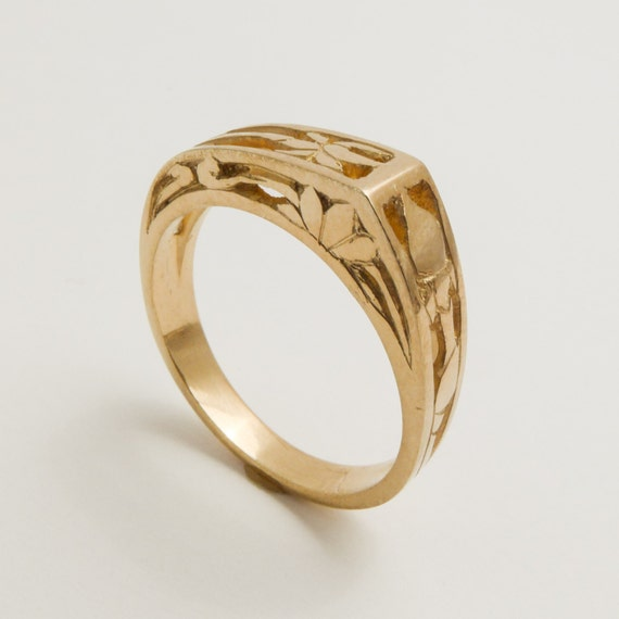 14 karat yellow gold ring for women Hand engraved solid gold