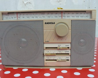Radio vintage in working condition!