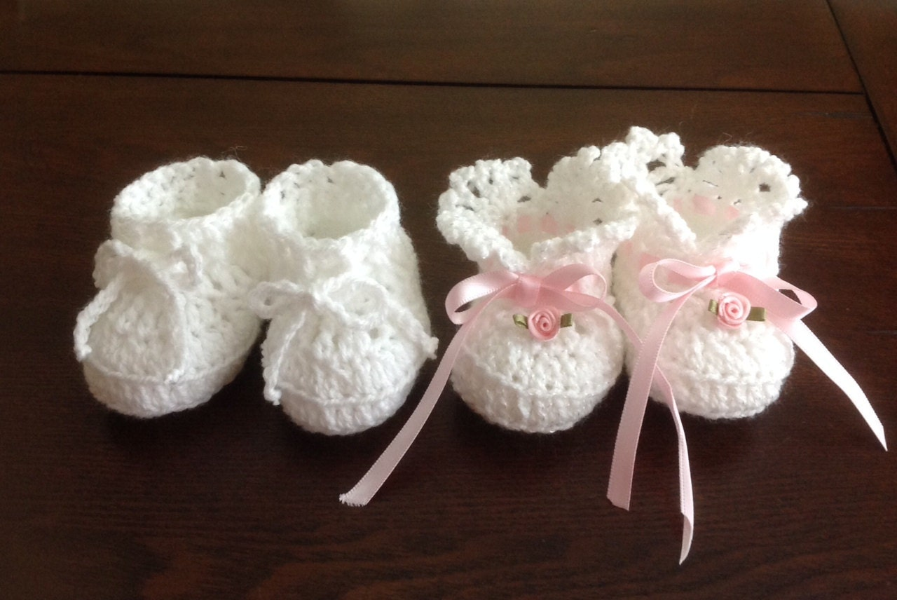 Easy Crochet Baby Boy Hat Patterns : Baby Booties Newborn Girl and Boy Crochet PATTERNS