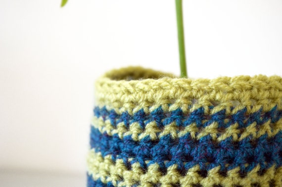 Upcycled planter / Striped crochet planter / Bottle planter / Flower pot