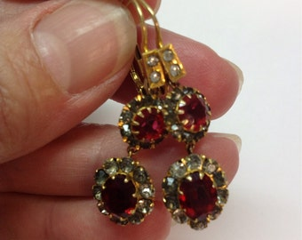 SALE Vintage Victorian 14k Gold Red Rhinestone Foilback Dangle Earrings