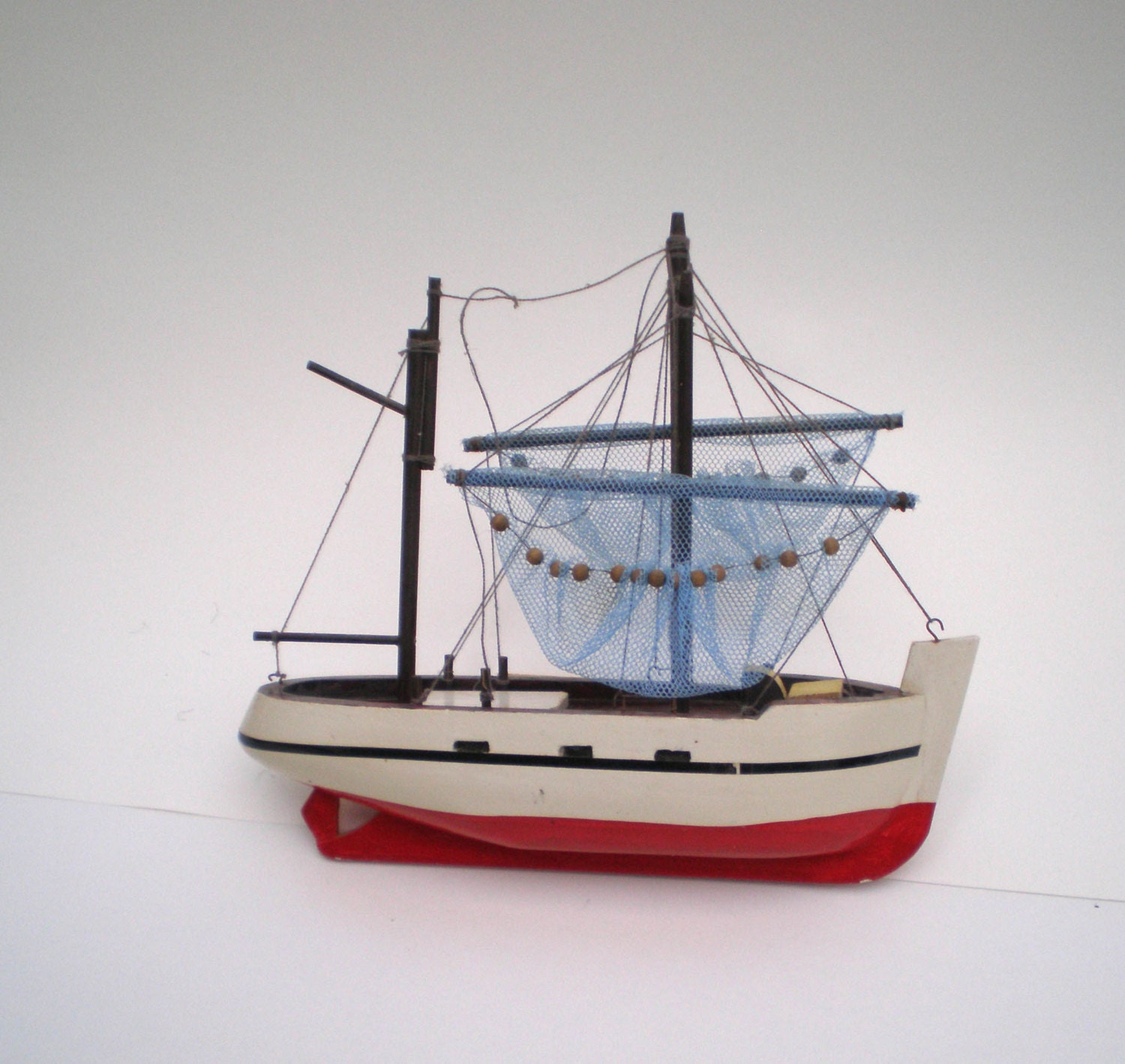 Vintage french toy boat model with fishing nets wooden hand for Wooden fishing net