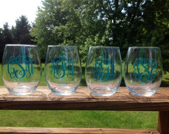 Stemless wine glasses with Vine Monogram