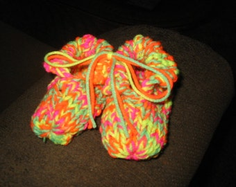 TODDLER hand knitted cotton blend booties in RAINBOW BRIGHTS yarn.  They are 4-1/2 inches long.