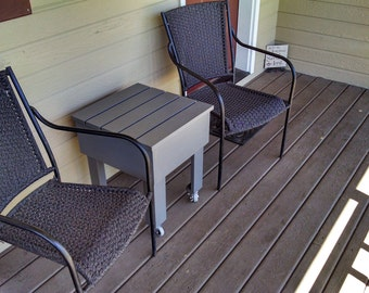 Adirondack table with w/out casters.