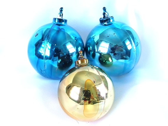 Items similar to 3 vintage plastic christmas ornaments for Small gold christmas ornaments