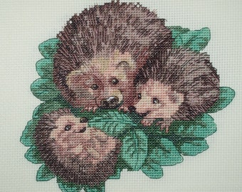 KL92 Happy Families! Hedgehogs Counted Cross Stitch Kit