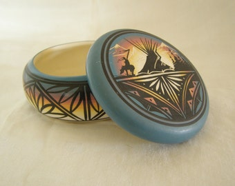 Trinket Jewelry  Box with Southwestern Motif  Signed  Ceramic  Vintage  Excellent Condition