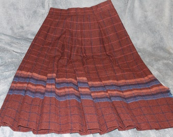 Skirt with Lovely Decoration, Handmade 1940s, Pleated