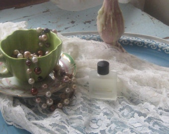 Marilyn Miglin Four White Flowers Small .35 Perfume