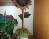 Primitive Sunflower In Rusty Tin Can FAAP OFG